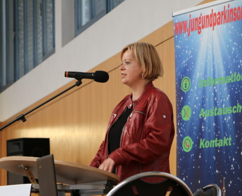 Keep Moving | Taiji-Therapie - Parkinson Symposium in Berlin · Dr.Gesine Lötzsch als Schirmherrin