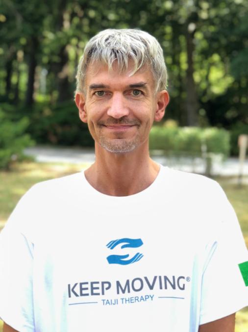 Keep Moving | Taiji-Therapie bei Bewegungsstörungen und Parkinson | Lizenzierte Trainer · Holger Wittchen